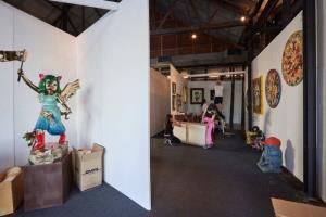 Mango Art Festival เทศกาลศิลปะครบเครื่องที่สุด หนึ่งเดียวในไทย  จัดแสดงงานศิลปะหลากประเภท โดยดีไซเนอร์ชื่อดัง และศิลปินอิสระหลายแขนง
