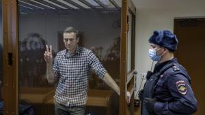 """In Clip: คู่แข่งการเมืองปูติน """"อเล็กเซ นาวาลนี"""" กำลังป่วยหนักอยู่ในเรือนจำรัสเซีย"""