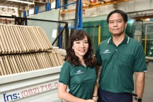 """เจ้าแรกในไทย! ที่ผลิตระจกเทมเปอร์ดัดโค้งโดยไม่ใช้แม่พิมพ์ จาก """"SR"""""""