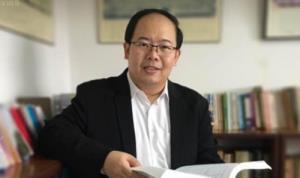 รศ.ดร.ยุทธพร อิสรชัย อาจาร์ประจำสาขารัฐศาสตร์ มหาวิทยาลัยสุโขทัยธรรมาธิราช