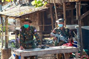 """In Clip: เยาวชนประท้วงพม่าเรียกร้องทั้งประเทศ ร่วมใจ """"เลิกเล่นสงกรานต์"""" ต่อต้านเผด็จการรัฐประหาร"""