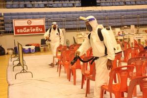 อบจ.ภูเก็ตเข้มป้องกันโควิด-19 ฉีดยาฆ่าเชื้อโรงยิม 4,000 ที่นั่ง