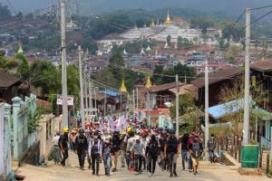 ผู้ประท้วงพม่าดับ 11 ราย หลังปะทะกองกำลังทหารเข้าสลายการชุมนุม