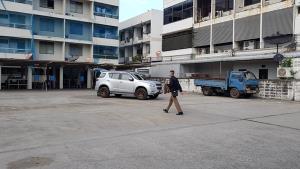 กักตัวตำรวจในสังกัด สภ.เพชรบุรี หลังมีรายงานรอง ผกก.ปป.ติดเชื้อโควิด-19