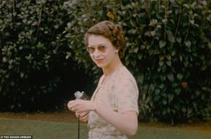 """ควีนเอลิซาเบธ สูญเสียพระสวามี """"เจ้าชายฟิลิป"""" ผู้ครองคู่กันมากว่า 70 ปี"""