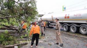 พายุฤดูร้อนพัดถล่มสระบุรี หม้อแปลงระเบิด เสาไฟแรงสูงล้ม 25 ต้น ป้ายเสียหาย