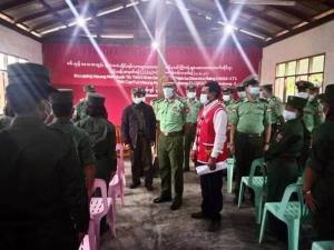 ทหารจาก บก.ภาคสามเหลี่ยม เปิดการอบรมด้านสาธารณสุขให้แก่ทหารของว้า เมื่อวันที่ 5 เมษายน