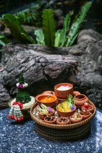 """ต้อนรับปีใหม่ไทยกับ """"เทศกาลข้าวแช่"""" ณ ห้องอาหารร่มไทร โรงแรมบันยันทรี กรุงเทพ"""
