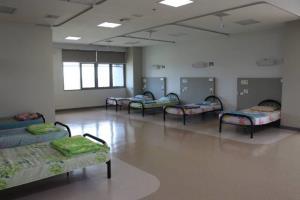 โควิดเชียงรายทะลุครึ่ง 100 เตรียมเปิดตึก รพ.แม่ฟ้าหลวง รับผู้ป่วยแทน