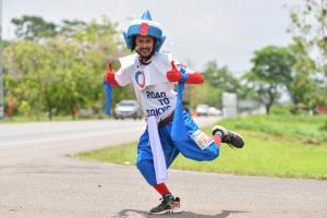 จอมเตะฮีโร่โอลิมปิก-เเชมป์โลกเพาะกาย แท็กทีมรองผู้ว่าฯ พัทลุง วิ่งผลัดธงชาติไทย