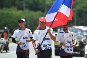 ตำนานลมกรดชุดโอลิมปิกที่บาร์เซโลนา ร่วมวิ่งผลัดธงชาติไทย เส้นทางนครศรีฯ มุ่งหน้าสุราษฎร์ธานี