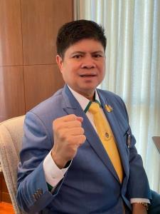 """""""แรมโบ้"""" ยันไม่มีหน่วยงานใดกดดันเลิกจ้าง """"เดวิด สเตร็คฟัสส์"""" ขอให้เข้าใจคนไทยผูกพันสถาบัน"""