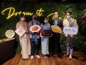 """""""ทูตพาณิชย์ฮ่องกง""""โปรโมตอาหารไทย ดึงนักธุรกิจ-ดารา-เซเลบริตี้ร่วมงาน"""