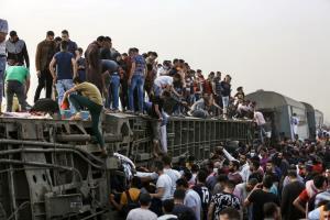 สลดซ้ำ! รถไฟ 'อียิปต์' ตกราง ผู้โดยสารดับ 11 ศพ-เจ็บร่วมร้อยคน