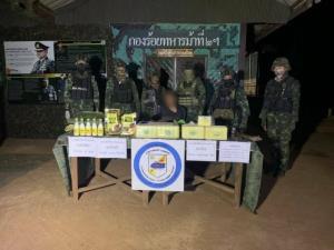 ยิงสนั่นชายแดนเชียงดาว! ทหารปะทะแก๊งค้ายา จับผู้ต้องหา-ยึดได้ทั้งระเบิด ปืน ยาบ้า ไอซ์ เฮโรอีน