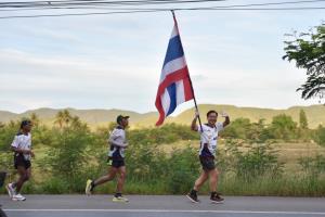 วิ่งธงชาติไทยถึงชะอำ ชาวประจวบฯ-เพชรบุรี รวม 24 วัน วิ่งสะสมระยะทางแล้ว 1,830 กม.
