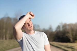 รับมือฮีทสโตรก(Heatstroke) เมื่ออุณหภูมิร่างกายสูงอย่างเฉียบพลัน