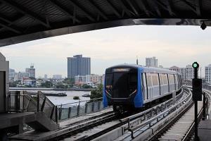 พนักงานรถไฟฟ้า MRT สถานีบางพลัดติดโควิด ไทม์ไลน์ไปตลาดกุ้งอยุธยา เร่งทำความสะอาด กักตัวผู้ใกล้ชิดแล้ว
