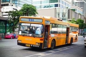 กระเป๋ารถ ปอ.สาย 73 ติดโควิด คนขับกักตัว พักรถโดยสาร 3 คันฆ่าเชื้อ