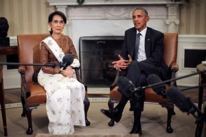 """""""โอบามา"""" เรียกร้องทั่วโลกปฏิเสธคณะรัฐประหารพม่า เตือนเสี่ยงเป็นรัฐล้มเหลว!"""