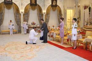 ในหลวง -พระราชินี พระราชทานเครื่องมือ ครุภัณฑ์ทางการแพทย์แก่รพ.แม่ข่าย โครงการราชทัณฑ์ปันสุขฯ ระยะที่ 2