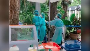 ส่งกำลังใจ! จนท.โรงพยาบาลพุทธชินราช เล่าทั้งน้ำตา หลังโดนผู้ป่วยต่อว่า เพราะกินข้าวช่วงพักกลางวัน