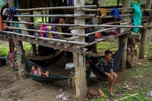 เตรียมรับมือ! คาดกะเหรี่ยงนับหมื่นส่อหนีตายทะลักเข้าไทย หากถูกกองทัพพม่าถล่มหนัก