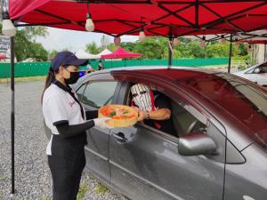 ประสบการณ์ใหม่! ร้านบุฟเฟต์อาหารญี่ปุ่น เชียงใหม่ เปิดบริการให้ลูกค้านั่งกินในรถ สั่งได้ไม่อั้น 2 ชม.
