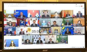 """""""อาคม"""" ร่วมประชุม ASEAN+3 หนุนเปลี่ยนผ่านสู่ ศก.ดิจิทัล-ปรับปรุงระบบภาษี"""