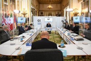 บรรยากาศของการประชุมระดับรัฐมนตรีต่างประเทศ กลุ่ม 7 ประเทศอุตสาหกรรมสำคัญของโลก (จี 7) ที่กรุงลอนดอน ประเทศอังกฤษ เมื่อวันอังคาร (4 พ.ค.)