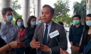 ภาพ นายนรเศรษฐ์ นาหนองตูม ทนายความศูนย์ทนายความเพื่อสิทธิมนุษยชน ทนาย 3 นิ้ว จากเพจเฟซบุ๊ก The METTAD