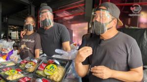 """(ชมคลิป) """"เปิ้ล-จูน"""" เดินหน้า! ส่งข้าวส่งน้ำ ช่วยชุมชนติดโควิด ไม่แคร์ทัวร์ลงเป็นดาราเป่านกหวีด เผยสิ่งที่ไม่เคยเล่าให้ใครฟัง"""