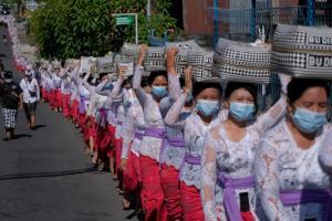 Weekend Focus: โควิด-19 ซัด 'เอเชีย' ย่ำแย่ อินเดียติดเชื้อทะลุ 20 ล้าน 'ญี่ปุ่น' ขยายภาวะฉุกเฉิน ยอดป่วยพุ่งทั่ว 'อาเซียน'