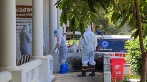 เศร้าสลด! หนุ่มลำปางติดโควิดเสียชีวิตรายแรก นิมนต์พระสวด-กู้ภัยสวม PPE ส่งฌาปนกิจทันที