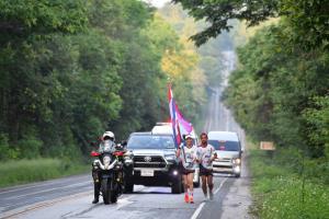 วันเดียววิ่งธงไตรรงค์ผ่าน 3 จังหวัด เพชรบูรณ์-ชัยภูมิ-ขอนแก่น ส่งกำลังใจให้ทัพนักกีฬาไทย