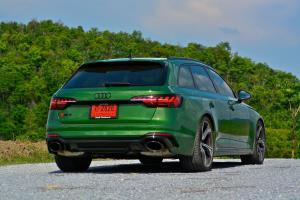 "Audi RS4 Avant  ตำนาน ""พ่อบ้านสายซิ่ง"""