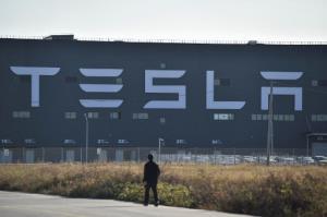 """""""เทสลาร์"""" พับแผนขยายโรงงานในเซี่ยงไฮ้ ล้มความคิดสร้างฐานผลิตรถยนต์ส่งขายทั้งโลก"""
