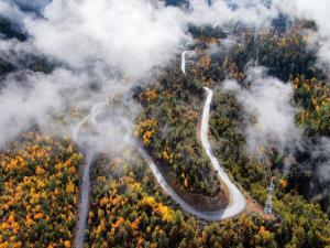 ประหยัด 8 ชม.! จีนสร้าง 'ทางหลวง' ผ่าหุบเขาลึกสุดในโลกที่ทิเบต