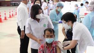 บ้านโป่งเดินหน้าฉีดวัคซีนป้องกันไวรัสโควิด-19 นอกโรงพยาบาล