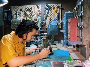 """""""นักสร้างโมเดลจิ๋วสุดฮอต"""" งานละเอียดจนโด่งดัง คนไทยแห่แชร์-ต่างชาติรุมจองตัว [มีคลิป]"""