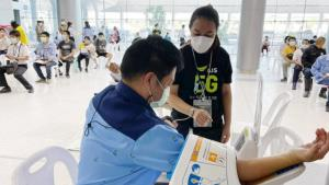 AIS เผยลูกค้าค่ายมือถือลงทะเบียนฉีดวัคซีนศูนย์ฯ บางซื่อ 4.3 แสนรายใน 2 ชั่วโมง
