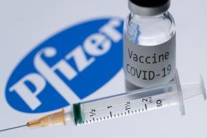 """งานวิจัยเผย! ไฟเซอร์ประสิทธิภาพน้อยลงเมื่อเจอ """"ไวรัสสายพันธุ์อินเดีย"""" แต่ยังป้องกันได้อยู่"""