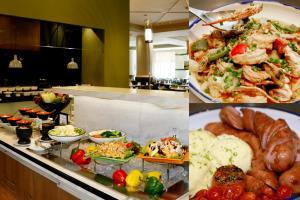 """ผู้สูงอายุกินฟรีทุกเที่ยงวันเสาร์-อาทิตย์ กับ """"บุฟเฟต์มื้อเที่ยง"""" ที่ห้องอาหารเปรมประชากร โรงแรมมิราเคิล แกรนด์ คอนเวนชั่น"""