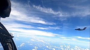 จีนโต้มาเลเซีย!!  เครื่องบินทหาร 16 ลำของตนที่เข้าใกล้เกาะบอร์เนียว  กำลังฝึกบินตามปกติ  ไม่ได้ล้ำแดนใคร