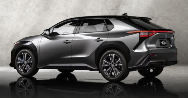 Toyota bZ4X ต้นแบบเอสยูวีไฟฟ้าเผยโฉมในสหรัฐฯ เผยรายละเอียดชัดเจนยิ่งขึ้น