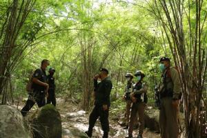 ราชบุรีสำรวจช่องทางธรรมชาติ 13 จุด เพื่อป้องกันคนลักลอบเข้าประเทศอย่างผิดกฎหมาย
