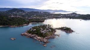 """7 โรงแรมหรู เกาะสมุย ครองใจนักเดินทาง พาเหรดคว้าอันดับจาก """"ทริปแอดไวเซอร์"""""""