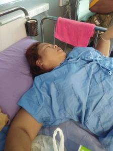 หนุ่มมหาสารคามร้องสื่อ! เมียฉีดวัคซีนแอสตร้าฯ เกิดอาการข้างเคียงหามส่งโรงหมอ