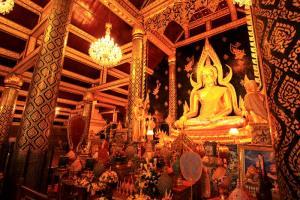 พระพุทธชินราช พระพุทธรูปงามยืนหนึ่งในไทย