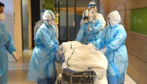 ผู้ป่วยโควิดในญี่ปุ่นกว่า 500 คนตายที่บ้าน เหตุรพ.เตียงเต็ม